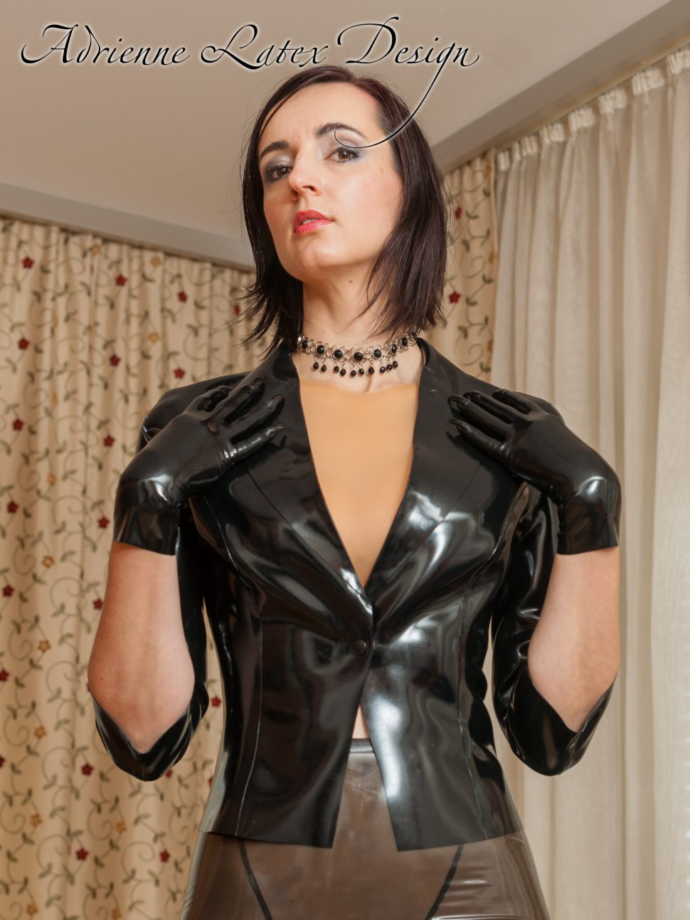 Short latex gloves with red nails